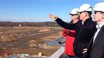 Governor of Pskov region visited the Sudoma timber mill construction site